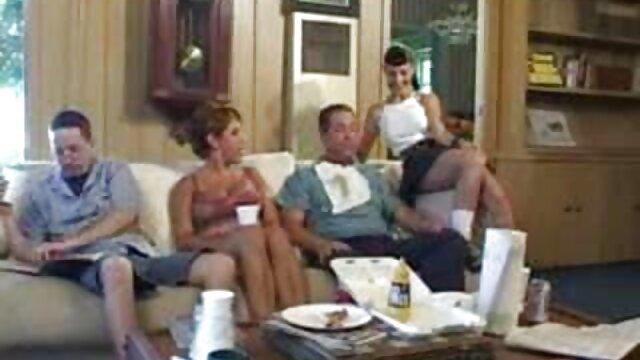 Pornografia sem registo  Holly Hart-tanned vídeo pornô de mulheres gordas gostosas MILF bent in bondage and Hard used from both ends (2015))