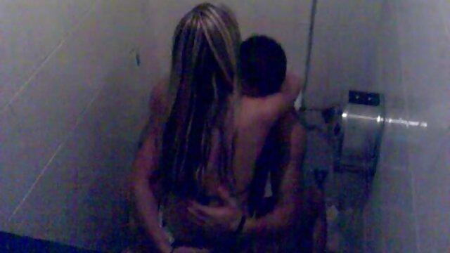 Pornografia sem registo  StraponSquad-12 de quero ver vídeo de pornô de mulher gorda setembro de 2014-Brooklyn Daniels e Ava Kelly dão um escravo sexual com uma boca inteligente