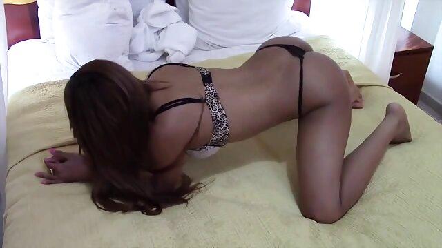 Pornografia sem registo  Mãe a vídeo pornô das mulher gorda chupar pilas