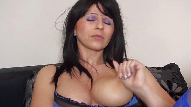 Pornografia sem registo  Diamante de pele na Garganta, Garganta Funda em cativeiro apertado, vídeo de mulher gorda pornô orgasmos múltiplos!