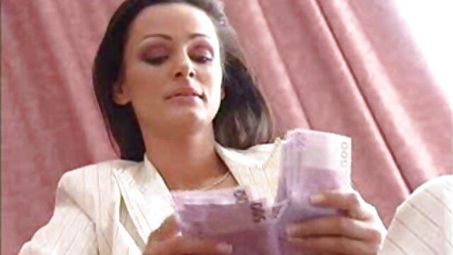 Pornografia sem registo  Lizzie a vídeos pornô de mulheres gordas Esguichar uma e outra vez.