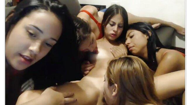Pornografia sem registo  A escrava vídeo de pornô das mulher gorda bonita fica dura