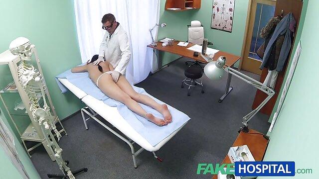 Pornografia sem registo  Bela assistir vídeo pornô de mulher gorda punição.
