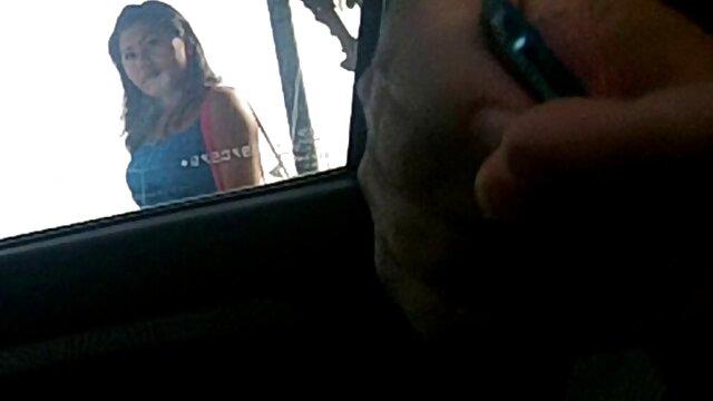 Pornografia sem registo  Piça empurra bolas para filme de sexo de mulher gorda dentro de ambos os buracos