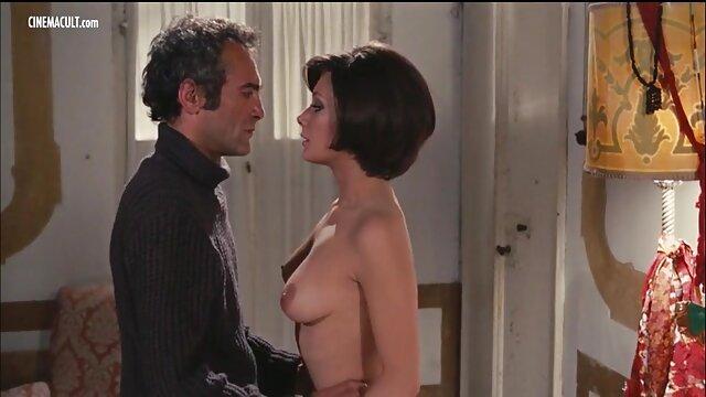 Pornografia sem registo  Bella Rossi e as suas vídeo pornô com mulher gorda brasileira Enormes Mamas Naturais sofrem desqualificação de categoria 5.
