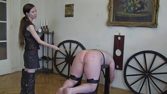 Pornografia sem registo  Ele amarrou-a com uma corda mulheres gordas fazendo filme pornô e cobriu-lhe a boca.
