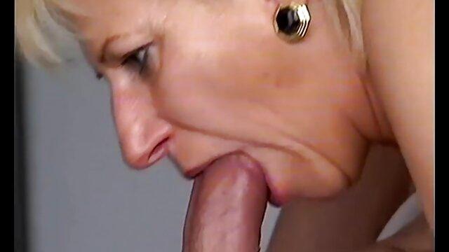 Pornografia sem registo  Botas vídeo de pornô mulher gorda de adoração