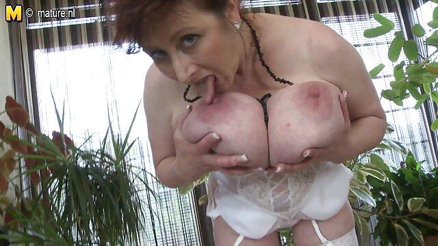 Pornografia sem registo  Devilynne-pequeno spinner acorrentado vídeo pornô com mulher gorda e rough fucked (2016))