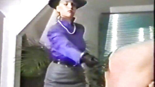 Pornografia sem registo  Daisy Ducati empurra vídeo de pornô só de mulher gorda Daisy