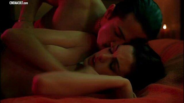 Pornografia sem registo  Sexy bondage gordinha fazendo porno 2