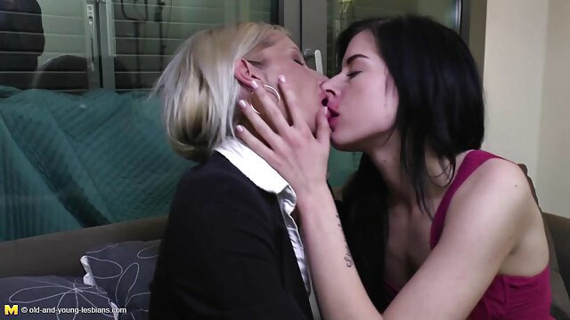 Erotismo lésbico