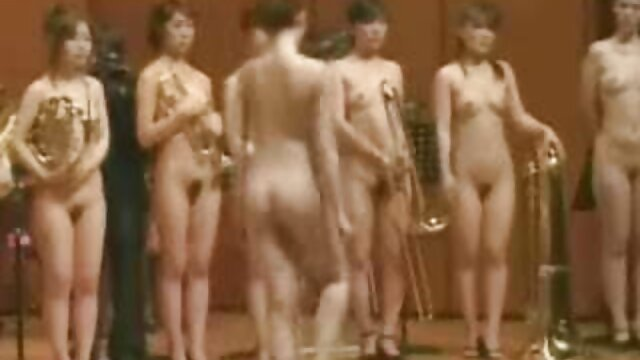Pornografia sem registo  BDSM cast mulher gorda fazendo vídeo pornô
