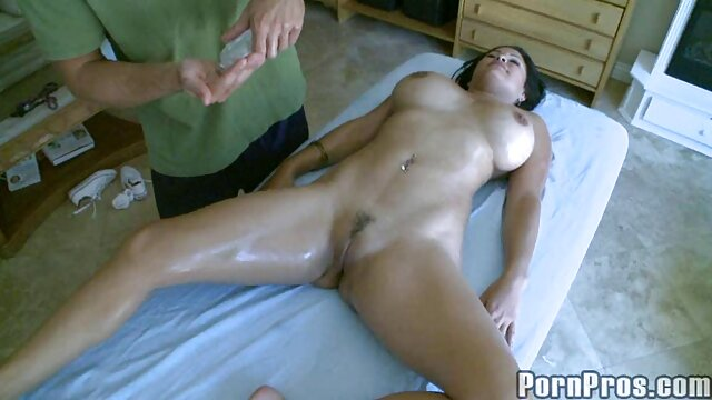 Pornografia sem registo  Sexy blonde Milf vídeo pornô das mulher gorda Darling