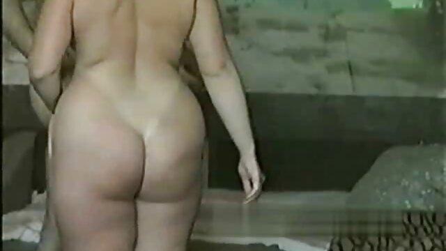 Pornografia sem registo  Cabra perfeita para BDSM filme de sexo com mulher gorda 3
