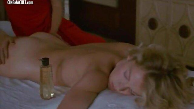 Pornografia sem registo  Bliss wax vídeo pornô de mulher morena gorda para o pé