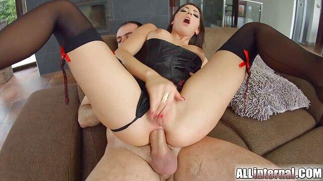 Pornografia sem registo  Algemas de couro que se esticam e puxam-na em ver vídeo pornô de mulher gorda todas as direções, Nikki é uma borboleta amarrada