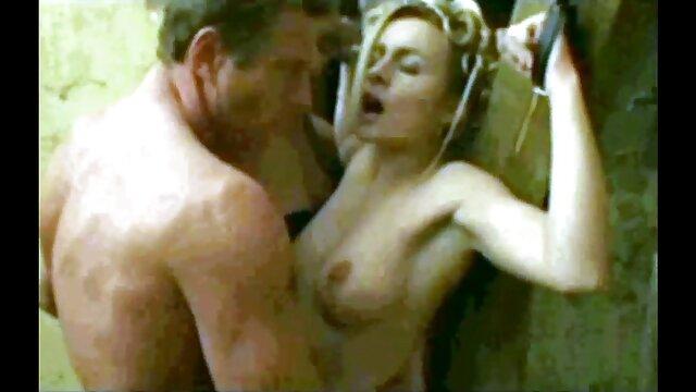 Pornografia sem registo  Whiny Mercy West Parte 3 (2015 vídeo pornô de mulheres gordas gostosas ))