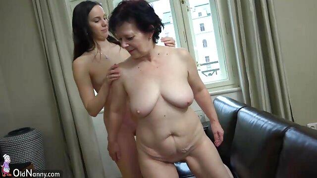 Pornografia sem registo  Kitty Langdon fica quente, rápido e vídeo pornô caseiro de mulher gorda desagradável