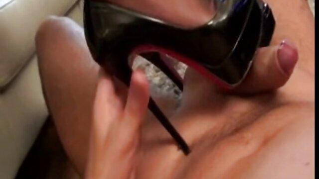 Pornografia sem registo  Ultimate nipple torture 4, Kylie vídeo pornô mulher gorda transando