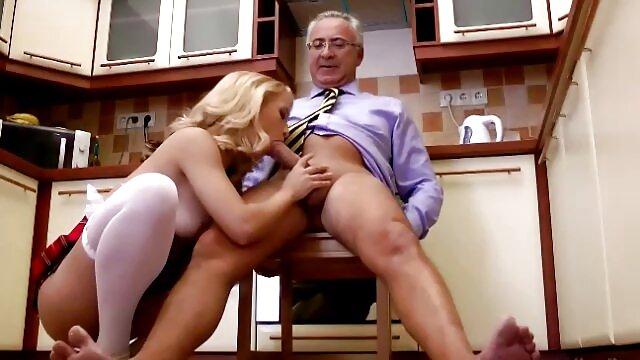 Pornografia sem registo  A empregada Vibratória recebe filme de pornô com mulher gorda o bónus.