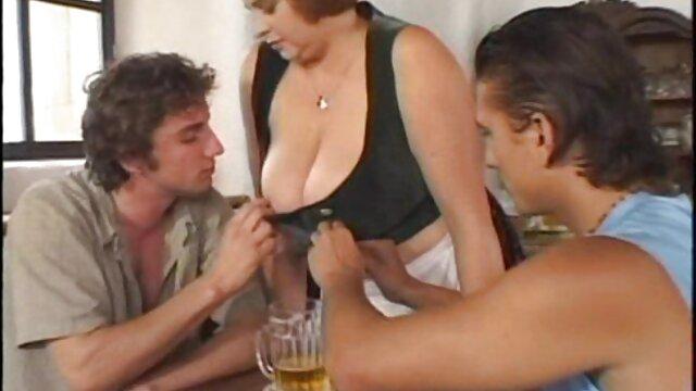 Pornografia sem registo  Orgasmos múltiplos Rose Red Tyrell com sibianina e sexo anal vídeo pornô de mulher obesa áspero