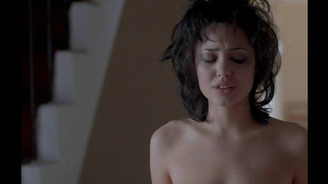 Pornografia sem registo  Senhorio, gosto do corpo dela com particular atenção às Mamas. mulher gorda fazendo porno