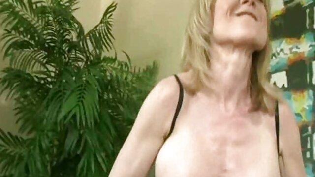 Pornografia sem registo  Cabra excitada vídeo pornô com negras gordas com o Calico