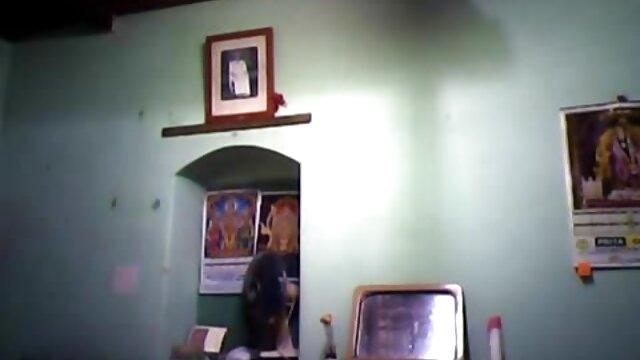 Pornografia sem registo  Mamas grandes num abraço vídeo pornô caseiro de mulher gorda de dor