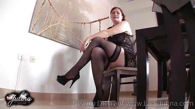 Sexo sem registo  O cabrão do Chanell Heart estava preso numa vídeo pornô de mulher obesa jaula e usado.