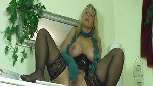 Pornografia sem registo  Bondage vídeo pornô de mulher gorda morena em tempo Real com a Rata da Ashley Lane parte 1