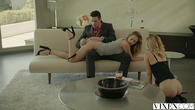 Pornografia sem registo  Chanel Preston é obcecada por uma pila, fodida por uma boneca de trapos numa camisa de forças, Garganta Funda épica e vídeo pornô com negras gordas brutal!
