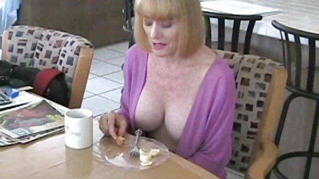Pornografia sem registo  Escritório vídeo pornô com negras gordas extremo