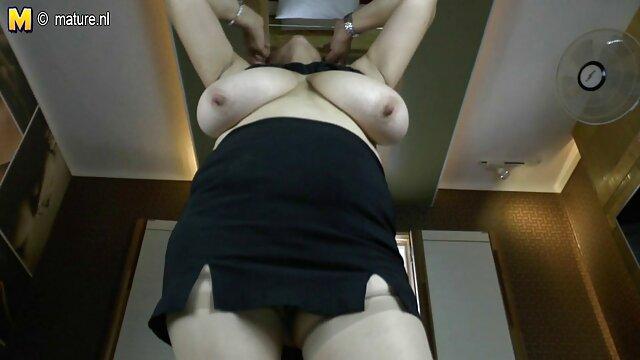 Pornografia sem registo  Tormento absoluto e terror das mãos de seus perseguidores e escondidos mulher gorda fazendo porno em seus capuzes
