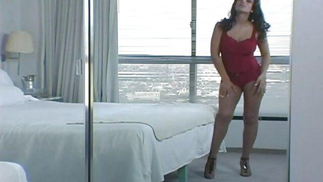 Pornografia sem registo  Espectáculo de palmadas vídeo pornô de mulheres gordas gostosas caseiras