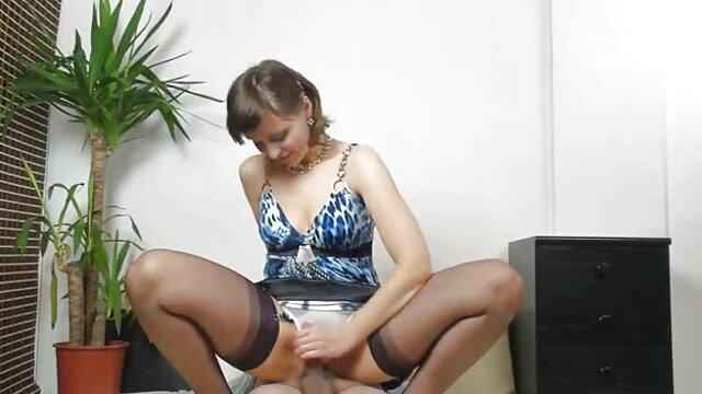 Pornografia sem registo  Evening porno de mulher gorda bdsm fun